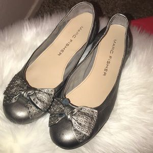 Marc Fisher Sexy Silver Bow Flats studs 9.5